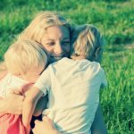 maman avec ses enfants